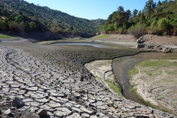 robledo-de-chavela-dam_reservoir-being-empty